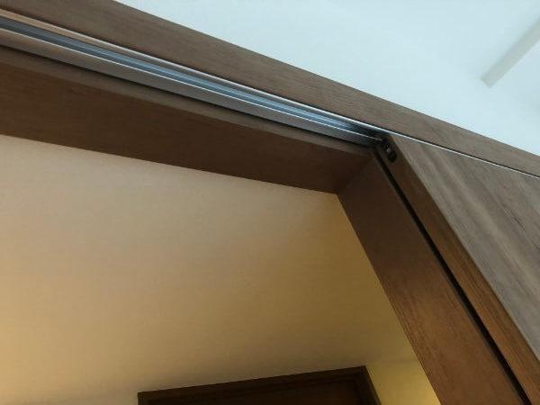 スライドドア(引き戸)吊り下げにリフォーム1